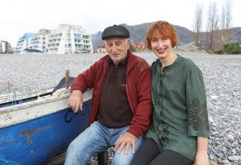 С батоно Зурабом. Призвание- рыбак. 83 года. Вышивка Sulky. Ladna.